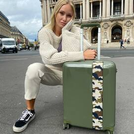Nouvelle couleur : Kaki - Disponible maintenant !  - New color : Khaki - Available now ! • • • #BandeAPart #BandeAPartParis #Luggage #Valise #Paris #Luggage #FrenchBrand #Camouflage #Kaki #Khaki #ParisIsBeautiful