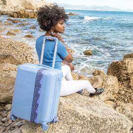 SUMMER DAYS -50% sur les coloris Lavande, Bleu Lagon, Blanc et Gris 💧💜 • • • #BandeAPart #BandeAPartParis #Luggage #Valise #Paris #Luggage #FrenchBrand #Lavender #Lavande #ParisIsBeautiful #Dentelle #Lace #SummerIsHere
